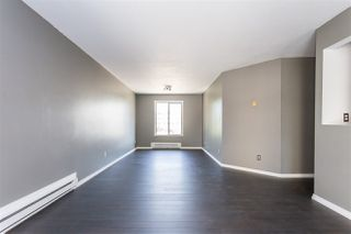 "Photo 6: 306 33598 GEORGE FERGUSON Way in Abbotsford: Central Abbotsford Condo for sale in ""Nelson Manor"" : MLS®# R2383608"