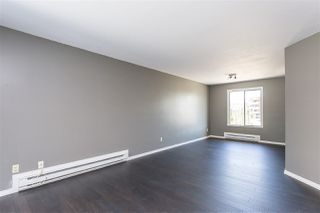 "Photo 5: 306 33598 GEORGE FERGUSON Way in Abbotsford: Central Abbotsford Condo for sale in ""Nelson Manor"" : MLS®# R2383608"