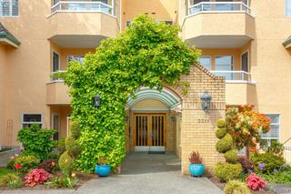 Photo 2: 201 2311 Mills Road in SIDNEY: Si Sidney North-East Condo Apartment for sale (Sidney)  : MLS®# 413251