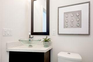 Photo 15: MISSION VALLEY Condo for sale : 3 bedrooms : 2476 Via Alta in San Diego