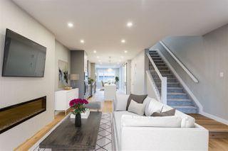 Photo 3: 9511 70 Avenue in Edmonton: Zone 17 House for sale : MLS®# E4185404