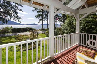 Main Photo: 12 BRUNSWICK BEACH Road: Lions Bay House for sale (West Vancouver)  : MLS®# R2448045
