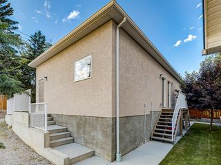 Photo 15: 1020 26 St SE, 1022 26 St SE, 2702 10 Ave SE, 2704 10 Avenue SE in Calgary: Albert Park/Radisson Heights 4 plex for sale : MLS®# A1019972