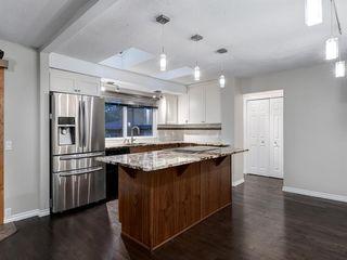 Photo 9: 444 CEDARILLE Crescent SW in Calgary: Cedarbrae Detached for sale : MLS®# A1026165