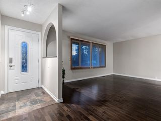 Photo 3: 444 CEDARILLE Crescent SW in Calgary: Cedarbrae Detached for sale : MLS®# A1026165