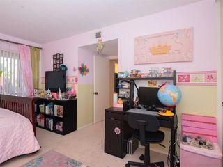Photo 15: BAY PARK Condo for sale : 3 bedrooms : 4460 Caminito Pedernal in San Diego