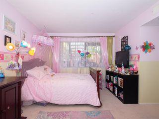 Photo 14: BAY PARK Condo for sale : 3 bedrooms : 4460 Caminito Pedernal in San Diego