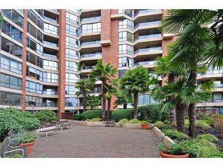 "Photo 10: 805 1450 PENNYFARTHING Drive in Vancouver: False Creek Condo for sale in ""Harbour Cove One"" (Vancouver West)  : MLS®# V878118"