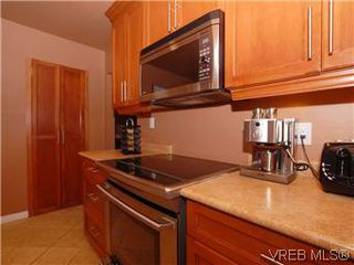 Photo 7: 481 Webb Place in VICTORIA: Co Wishart South Single Family Detached for sale (Colwood)  : MLS®# 302762