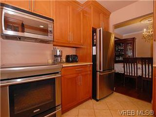 Photo 6: 481 Webb Place in VICTORIA: Co Wishart South Single Family Detached for sale (Colwood)  : MLS®# 302762