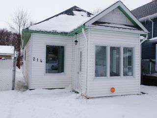 Photo 1: 214 Victoria Avenue East in Winnipeg: Transcona Residential for sale (North East Winnipeg)  : MLS®# 1203606