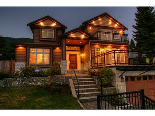 Photo 1: 662 CRYSTAL Court in North Vancouver: Canyon Heights NV House for sale : MLS®# V984105