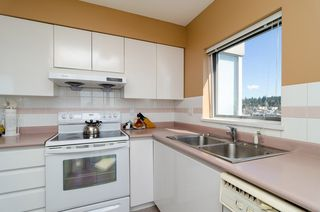 "Photo 5: 1405 9623 MANCHESTER Drive in Burnaby: Cariboo Condo for sale in ""STRATHMORE TOWERS"" (Burnaby North)  : MLS®# V1053890"