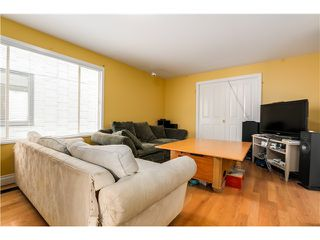 "Photo 3: 637 E 24TH Avenue in Vancouver: Fraser VE House for sale in ""FRASER"" (Vancouver East)  : MLS®# V1072465"