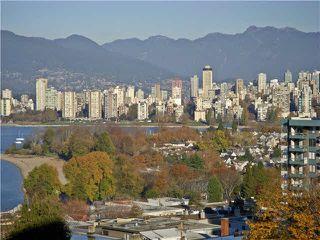Photo 2: 902 2445 W 3RD Avenue in Vancouver: Kitsilano Condo for sale (Vancouver West)  : MLS®# V1095434