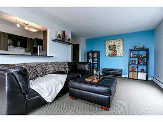 """Photo 2: 102 15265 ROPER Avenue: White Rock Condo for sale in """"WILTSHIRE"""" (South Surrey White Rock)  : MLS®# F1428825"""