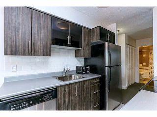 """Photo 9: 102 15265 ROPER Avenue: White Rock Condo for sale in """"WILTSHIRE"""" (South Surrey White Rock)  : MLS®# F1428825"""