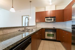 Photo 2: 416 100 CAPILANO Road in Port Moody: Port Moody Centre Home for sale ()  : MLS®# V1054549