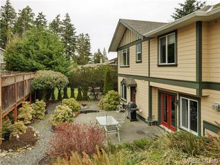 Photo 1: 3420 Mary Anne Cres in VICTORIA: Co Triangle Single Family Detached for sale (Colwood)  : MLS®# 723824