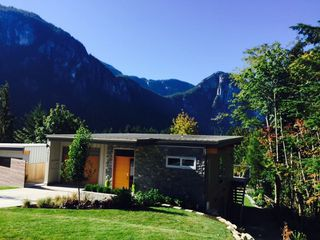 "Photo 1: 38507 SKY PILOT Drive in Squamish: Plateau House for sale in ""Crumpit Woods"" : MLS®# R2048209"