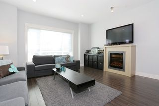 """Photo 3: 58 7298 199A Street in Langley: Willoughby Heights Townhouse for sale in """"YORK"""" : MLS®# R2059132"""