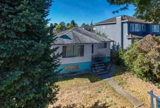 Photo 3: 2804 E 45TH Avenue in Vancouver: Killarney VE House for sale (Vancouver East)  : MLS®# R2102036