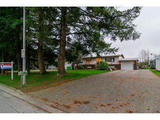 "Photo 2: 26340 30A Avenue in Langley: Aldergrove Langley House for sale in ""Aldergrove"" : MLS®# R2123457"