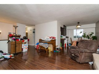 "Photo 5: 26340 30A Avenue in Langley: Aldergrove Langley House for sale in ""Aldergrove"" : MLS®# R2123457"