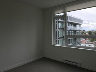"Photo 7: 310 5515 BOUNDARY Road in Vancouver: Collingwood VE Condo for sale in ""WALL CENTRE"" (Vancouver East)  : MLS®# R2169264"