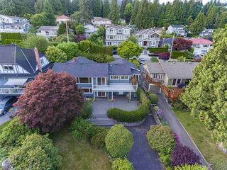 Photo 1: 1386 LAWSON Avenue in West Vancouver: Ambleside House for sale : MLS®# R2171494