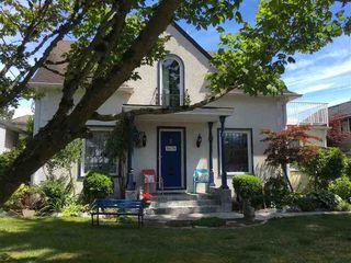 Photo 1: 5678 182 STREET in Cloverdale: Home for sale : MLS®# R2080801