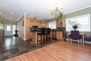 Photo 8: 2134 Harrow Gate in VICTORIA: La Bear Mountain Single Family Detached for sale (Langford)  : MLS®# 761501