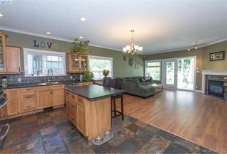 Photo 10: 2134 Harrow Gate in VICTORIA: La Bear Mountain Single Family Detached for sale (Langford)  : MLS®# 761501