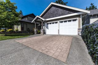 Photo 3: 2134 Harrow Gate in VICTORIA: La Bear Mountain Single Family Detached for sale (Langford)  : MLS®# 761501