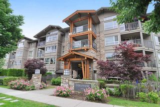 Photo 1: 403 3110 DAYANEE SPRINGS BOULEVARD in Coquitlam: Westwood Plateau Condo for sale : MLS®# R2177706