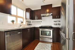 Photo 7: 403 3110 DAYANEE SPRINGS BOULEVARD in Coquitlam: Westwood Plateau Condo for sale : MLS®# R2177706