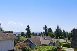 Photo 10: 155 W 20TH Street in North Vancouver: Central Lonsdale Townhouse for sale : MLS®# R2187560