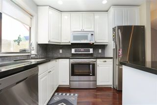 Photo 4: 155 W 20TH Street in North Vancouver: Central Lonsdale Townhouse for sale : MLS®# R2187560