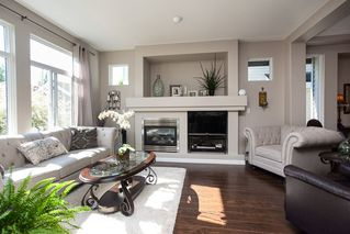 "Photo 7: 6974 201 Street in Langley: Willoughby Heights House for sale in ""Jeffries Brook"" : MLS®# R2189028"