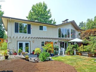 Photo 2: 108 Leila Pl in VICTORIA: Co Colwood Lake Single Family Detached for sale (Colwood)  : MLS®# 766827