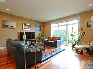 Photo 3: 14 551 Bezanton Way in VICTORIA: Co Latoria Row/Townhouse for sale (Colwood)  : MLS®# 767786