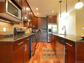 Photo 7: 14 551 Bezanton Way in VICTORIA: Co Latoria Row/Townhouse for sale (Colwood)  : MLS®# 767786