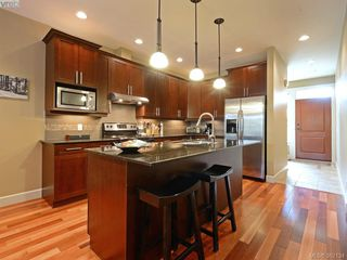 Photo 9: 14 551 Bezanton Way in VICTORIA: Co Latoria Row/Townhouse for sale (Colwood)  : MLS®# 767786
