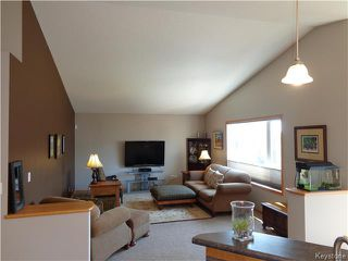 Photo 5: 34 Greyhawk Cove in Winnipeg: South Pointe Residential for sale (1R)  : MLS®# 1722718