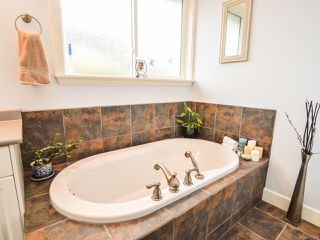 Photo 19: 281 VIRGINIA DRIVE in CAMPBELL RIVER: CR Willow Point House for sale (Campbell River)  : MLS®# 770810