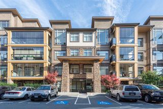 """Main Photo: 203 12655 190A Street in Pitt Meadows: Mid Meadows Condo for sale in """"CEDAR DOWNS"""" : MLS®# R2218221"""