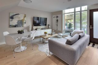"Photo 1: 1386 SEYMOUR Street in Vancouver: Downtown VW Townhouse for sale in ""MARK"" (Vancouver West)  : MLS®# R2244377"