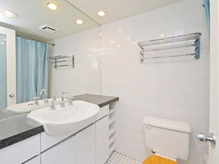 "Photo 14: 303 1967 BARCLAY Street in Vancouver: West End VW Condo for sale in ""THE PALASADES"" (Vancouver West)  : MLS®# R2244840"
