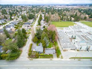 Photo 16: 15719 16 Avenue in Surrey: Sunnyside Park Surrey House for sale (South Surrey White Rock)  : MLS®# R2249136