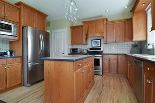 """Photo 8: 35508 DONEAGLE Place in Abbotsford: Abbotsford East House for sale in """"EAGLE MOUNTAIN"""" : MLS®# R2274459"""